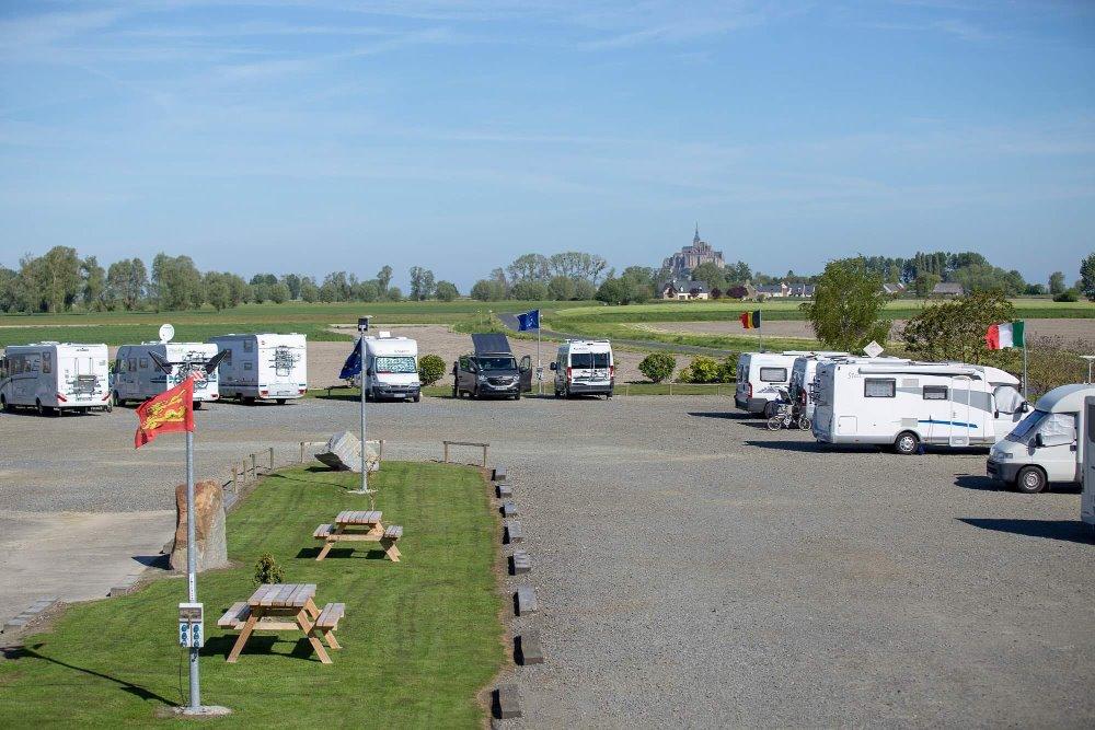 Aire camping-car à Ardevon (50170) - Photo 3